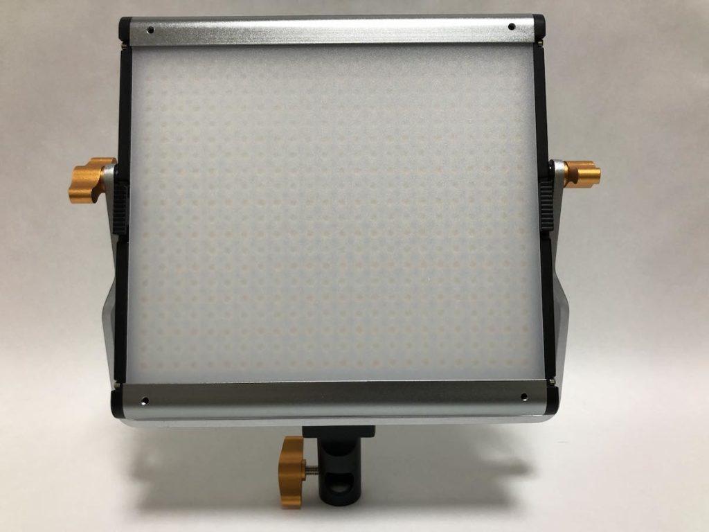 NEEWER 480 LEDビデオライト 本体正面