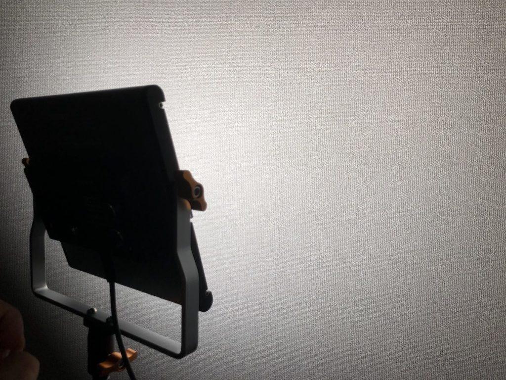NEEWER 480 LEDビデオライト 点灯 白色100%