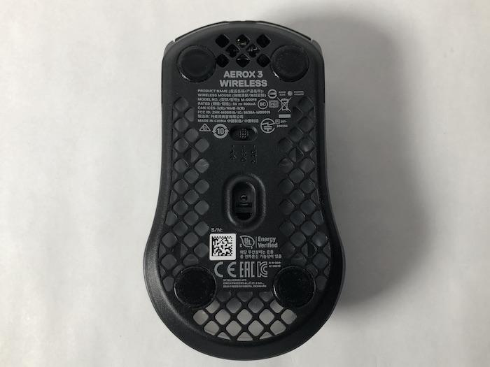 SteelSeries Aerox3 Wireless 本体 底面