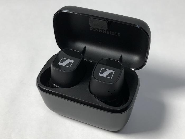 SENNHEISER CX 400BT True Wireless 充電中