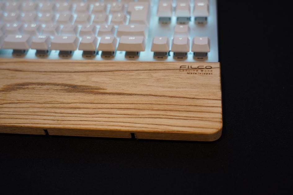 Filco Genuine Wood Wrist Rest ロゴ周り